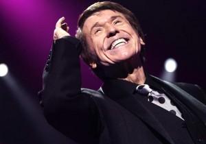 El cantante actuará en La Antilla este verano. / Foto: www.raphaelnet.com