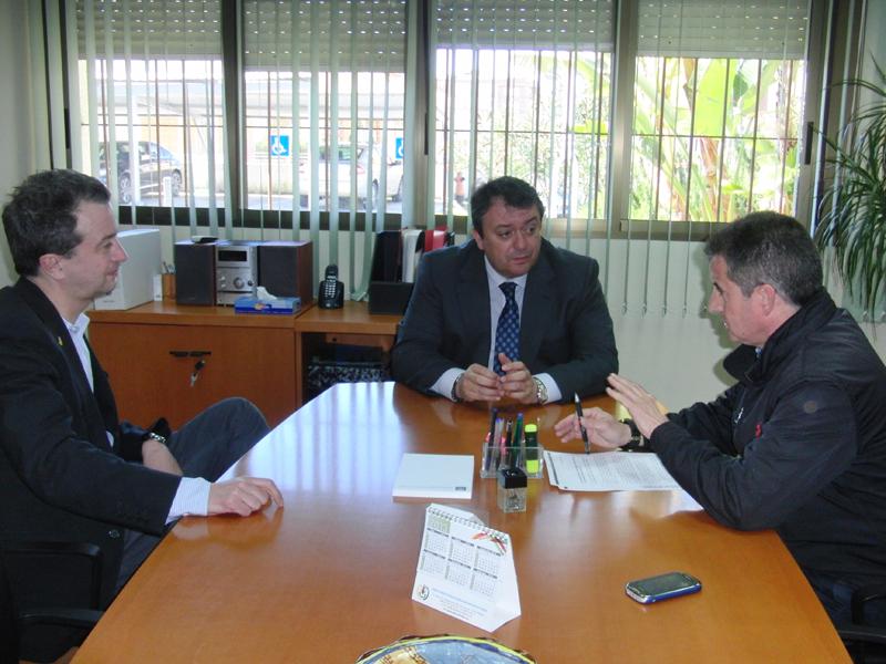 Eduardo Muñoz junto a los asesores Eures de Malmö (Suecia) y Huelva.