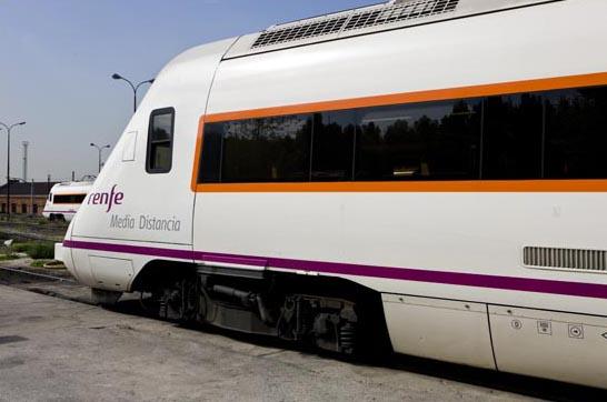 Renfe refuerza con 200 plazas los servicios de Media Distancia Sevilla-Huelva durante Semana Santa