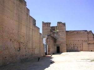 El Castillo de Moguer es un ejemplo de asentamiento medieval sobre la base de restos romanos.