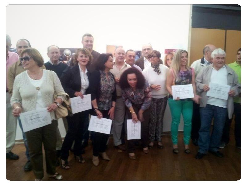 El concejal de Cultura con algunos de los alumnos del curso