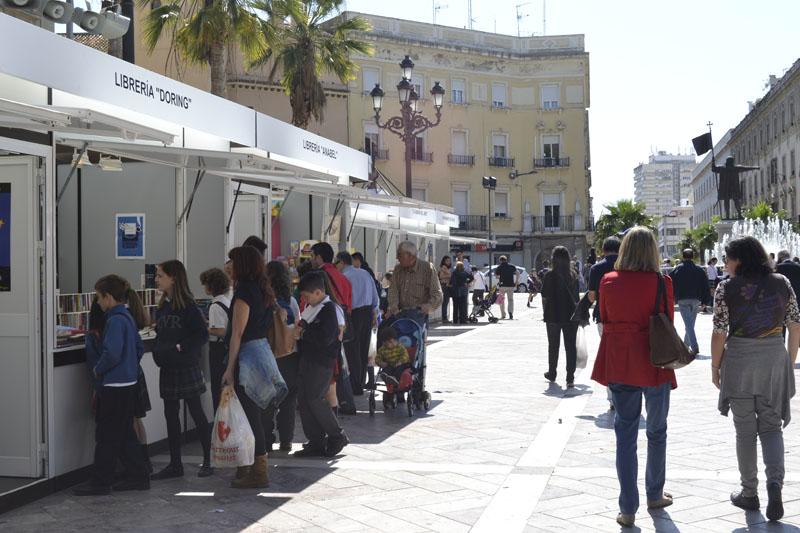 La Feria del Libro se celebra en la Plaza de las Monjas.