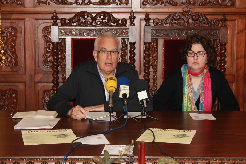 Francisco Brázquez y María Antonia Moreno en rueda de prensa.