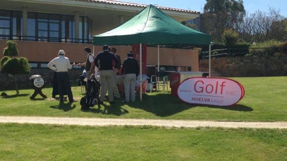 Un centenar de jugadores participan en el VI Torneo 'Pasaporte Golf Huelva la Luz' en Cáceres