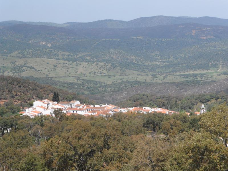 Vista de pájaro de la localdiad de Cortelazor.
