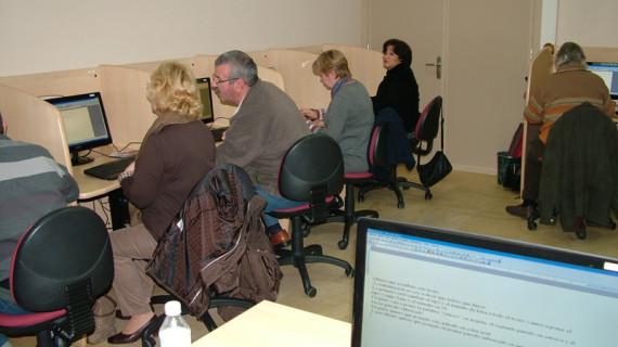 La Red Guadalinfo en Huelva crece en más de 70 centros y lleva el acceso gratuito a Internet a 74.000 personas en una década