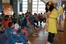 La biblioteca de Cartaya celebra el Día del Libro con el cuentacuentos de Sonia Carmona