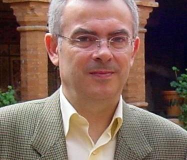 Diego Ropero-Regidor presenta en Moguer su nuevo poemario 'Algo dicen los árboles'