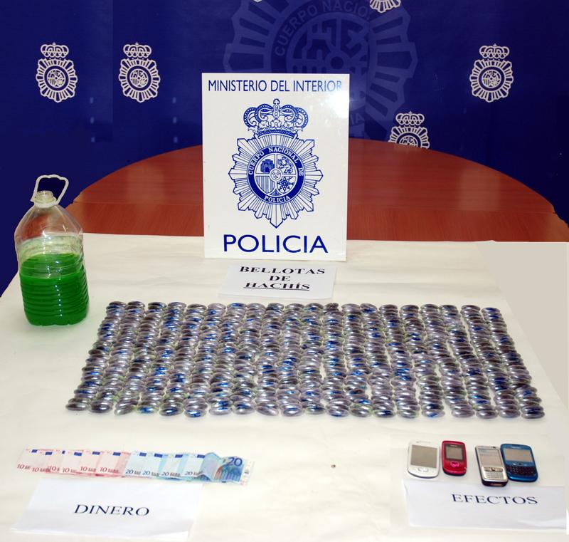 Droga intervenida por la Policía.