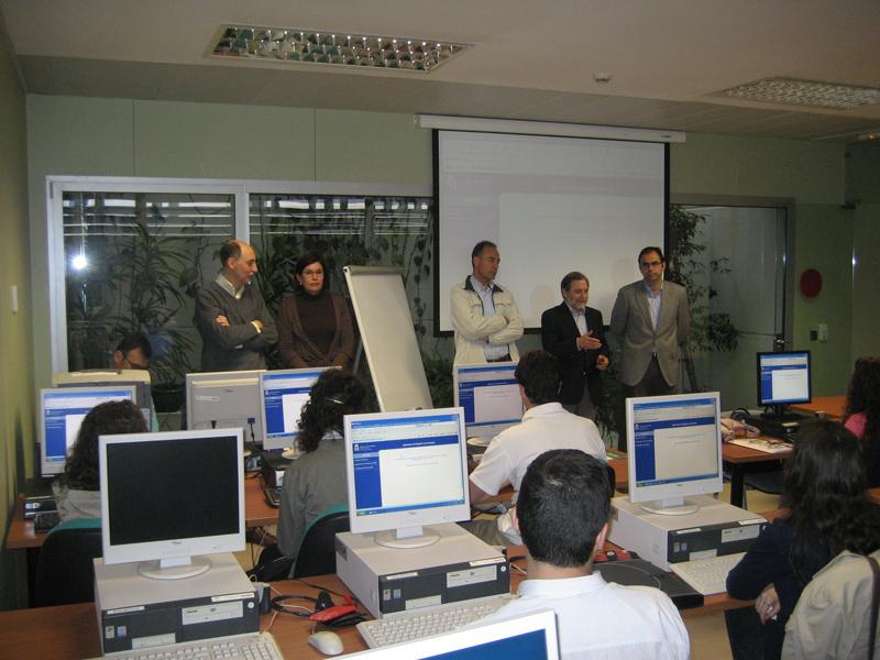Alumnos de la Universidad de Huelva en el curso práctico sobre gestión tributaria.