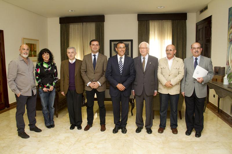 'Canciones para animales ciegos', del chileno Mario G. Contreras, gana el Premio Juan Ramón Jiménez