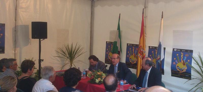 Remesal, Rodríguez y Martínez-Cañavate presentaron el libro.