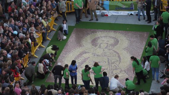 La Palma logra un récord Guinness con el mosaico de la Virgen del Valle