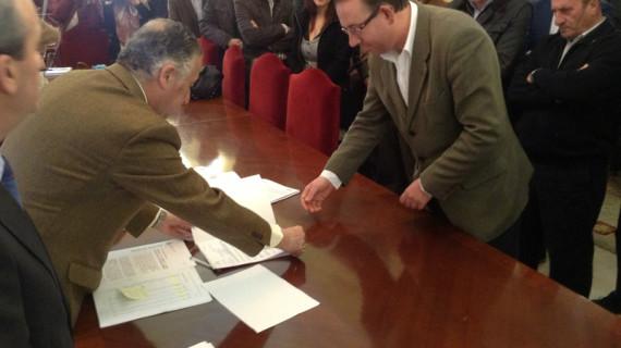 Alcaldes de 35 municipios de la provincia recogen la documentación de los fondos del Profea