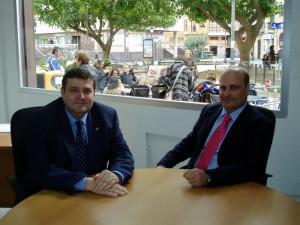 Francisco José Martínez junto al director de Huelva Buenas Noticias, Ramón Fernández Beviá.