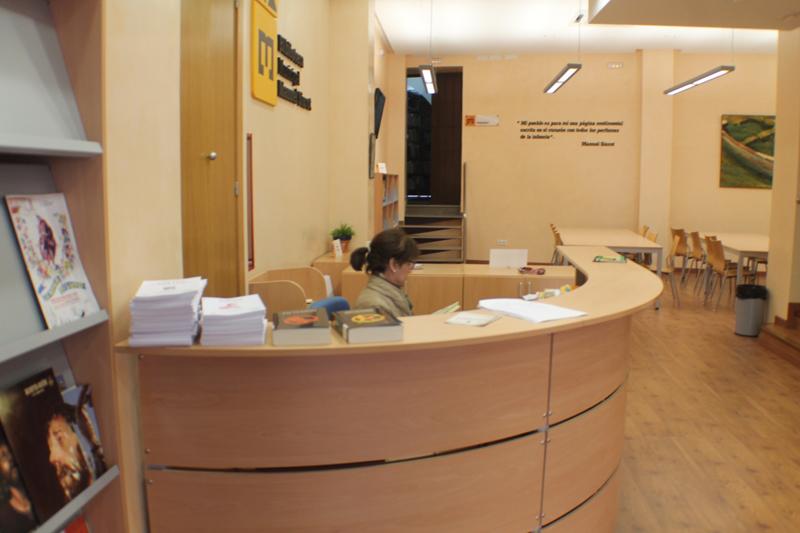 La biblioteca Manuel Siurot ha ingresado a su inventario 200 libros infantiles y juveniles.