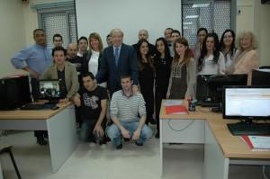 Grupo que culminó el primer curso de 'Redes'.