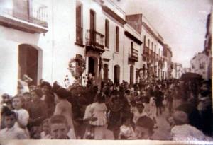 Una imagen para el recuerdo de las Cruces de Mayo de Huelva.