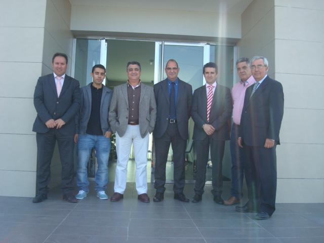 Foto de los representantes de Autoamtax.