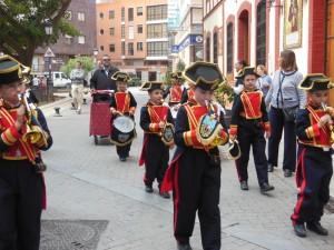 La Banda de Música del Colegio María Inmaculada era la encargada de poner música al recorrido