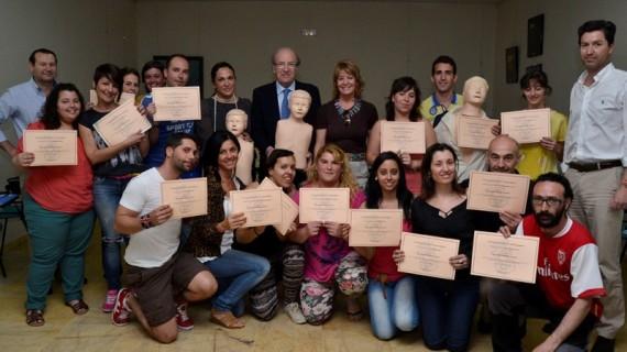 Alumnos onubenses del curso de animador sociocultural reciben formación en primeros auxilios