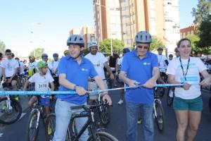 El alcalde de Huelva ha sido el encargado de cortar la cinta inaugural.