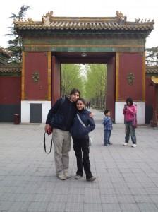 Lola y su novio Mario, en Pekín.