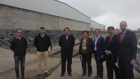 El Puerto de Huelva renueva un tramo de 640 metros de vía de ferrocarril para mejorar el transporte de mercancías