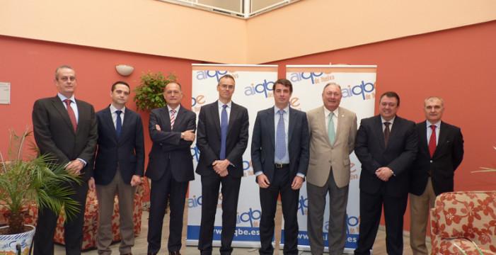 El secretario general de Innovación mantiene una jornada de trabajo con el sector industrial onubense