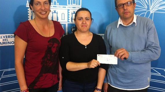 Una Asociación de Valverde dona 1.650 euros para contribuir a la curación de una niña enferma