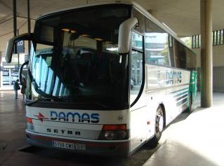 Una empresa de transporte aplicará descuentos en los viajes a la Cuenca Minera a personas con dificultades económicas