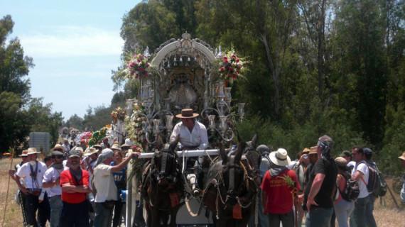 Emigrantes ultima los preparativos para su salida hacia El Rocío 2014