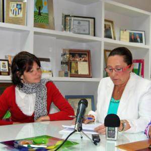 Representantes del Ayuntamiento de Isla Cristina y el IES El Galeón firmaron un convenio colaborativo.