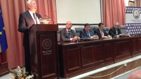 García Palacios apela al consenso, al diálogo y a la recuperación de los valores para acabar con la crisis