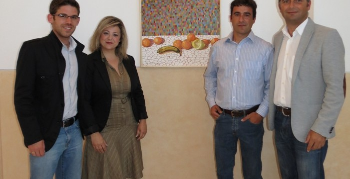 Moguer acoge una exposición del pintor local Francisco Domínguez