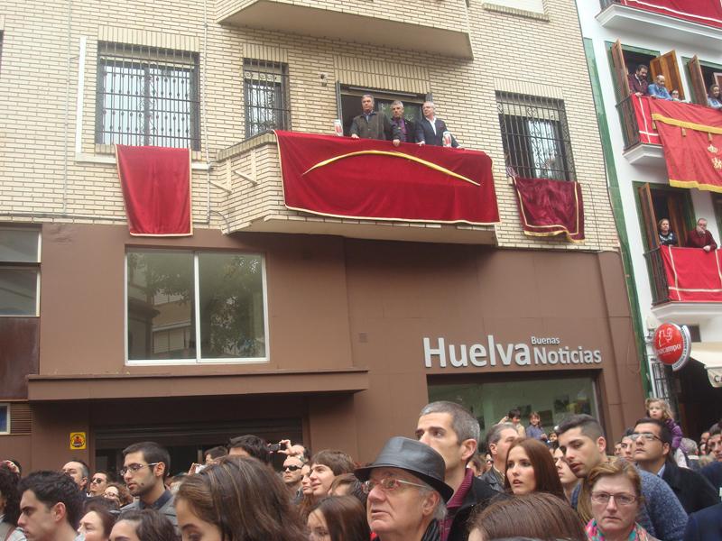 Las saetas ofrecidas por Huelva Buenas Noticias desde el balcón de nuestra sede a las hermandades que procesionan en el Miércoles Santo, uno de los momentos más destacados de estos tres meses de vida.