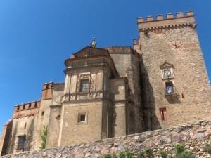 La Iglesia del Castillo de Aracena, construida durante los siglos XII y XV, se relaciona con el legado Templario.