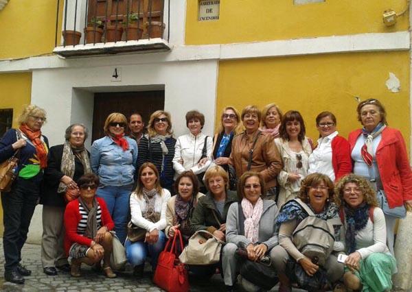 Las alumnas del Aula de la Experiencia de Isla Cristina en Sevilla.