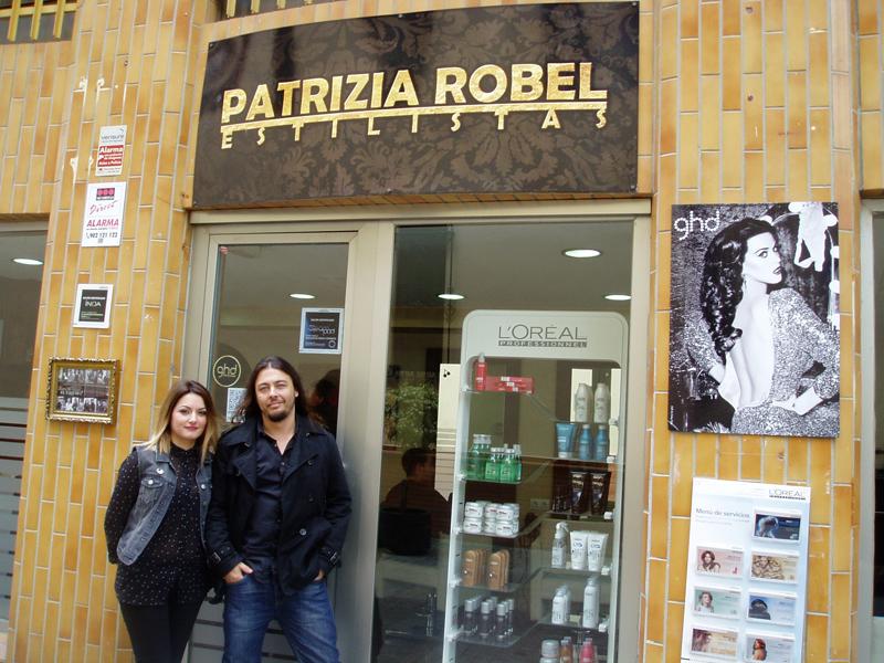 La peluquera Patricia Robel muestra su estilismo a la sociedad onubense 080b4653105a8