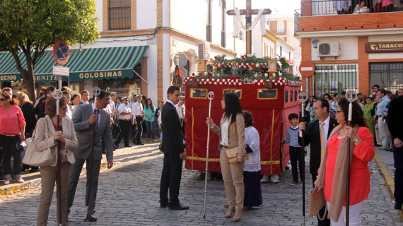 La Cruz de Mayo del Sagrado Corazón despierta una nueva tradición en San Juan