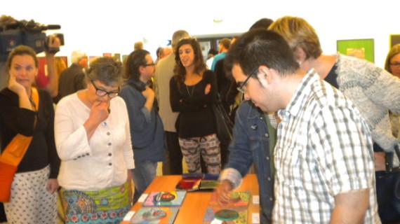 Pacientes de la Unidad de Salud Mental del Juan Ramón Jiménez exponen sus trabajos en la Fundación Cajasol