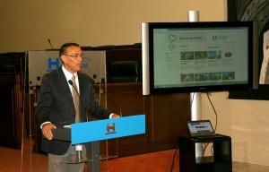 Ignacio Caraballo presidente de la Diputación de Huelva, durante la presentación de la página web.