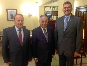 El subdelegado, con el cónsul de Rumanía (a la derecha de la imagen).