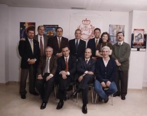 Lopez-Tarruella en una de las Juntas del Colegio de Economistas de Huelva al que pertenece (sentado, segundo desde la izq.)