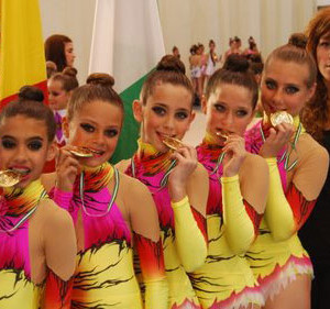 Las onubenses, campeonas del Sector Occidental.