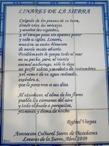 Azulejo poético del autor protagonista en este pueblo.