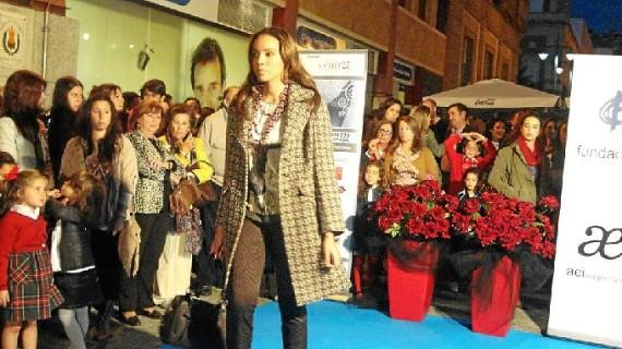 Los comercios del Centro de Huelva celebran un desfile de moda y el III Shopping Night