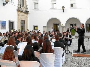 Calidad y variedad en su programación, disfrutaron los asistentes a los conciertos en la UNIA.