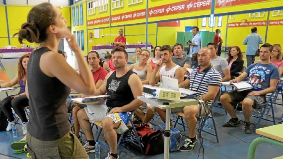 Moguer inicia la formación de futuros profesores de Pilates