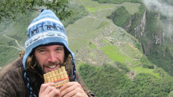 Ernesto Ponce Soria, un arquitecto técnico que ha puesto su trabajo al servicio de una ONG en Perú